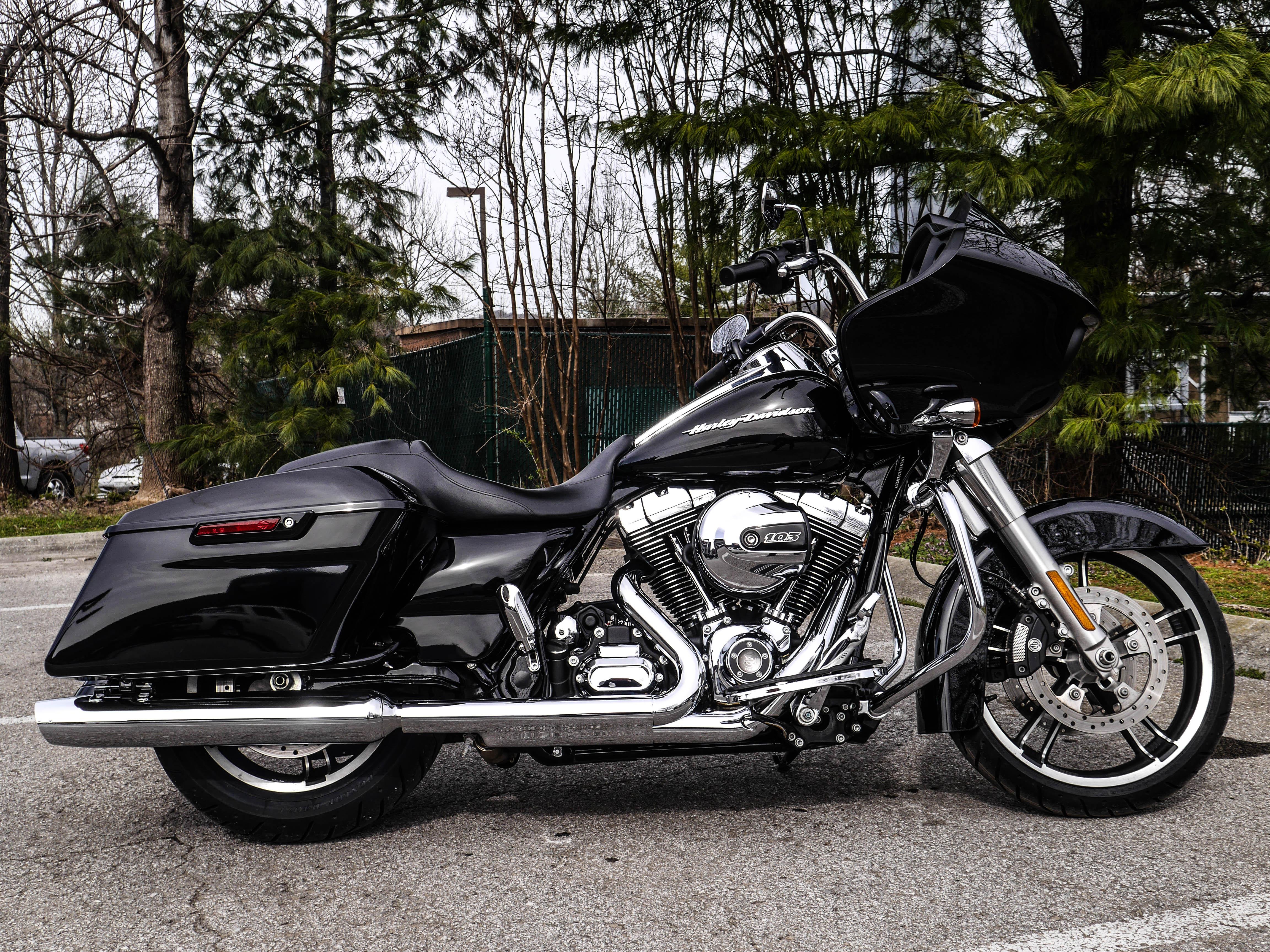 Pre-Owned 2016 Harley-Davidson Touring Road Glide Custom