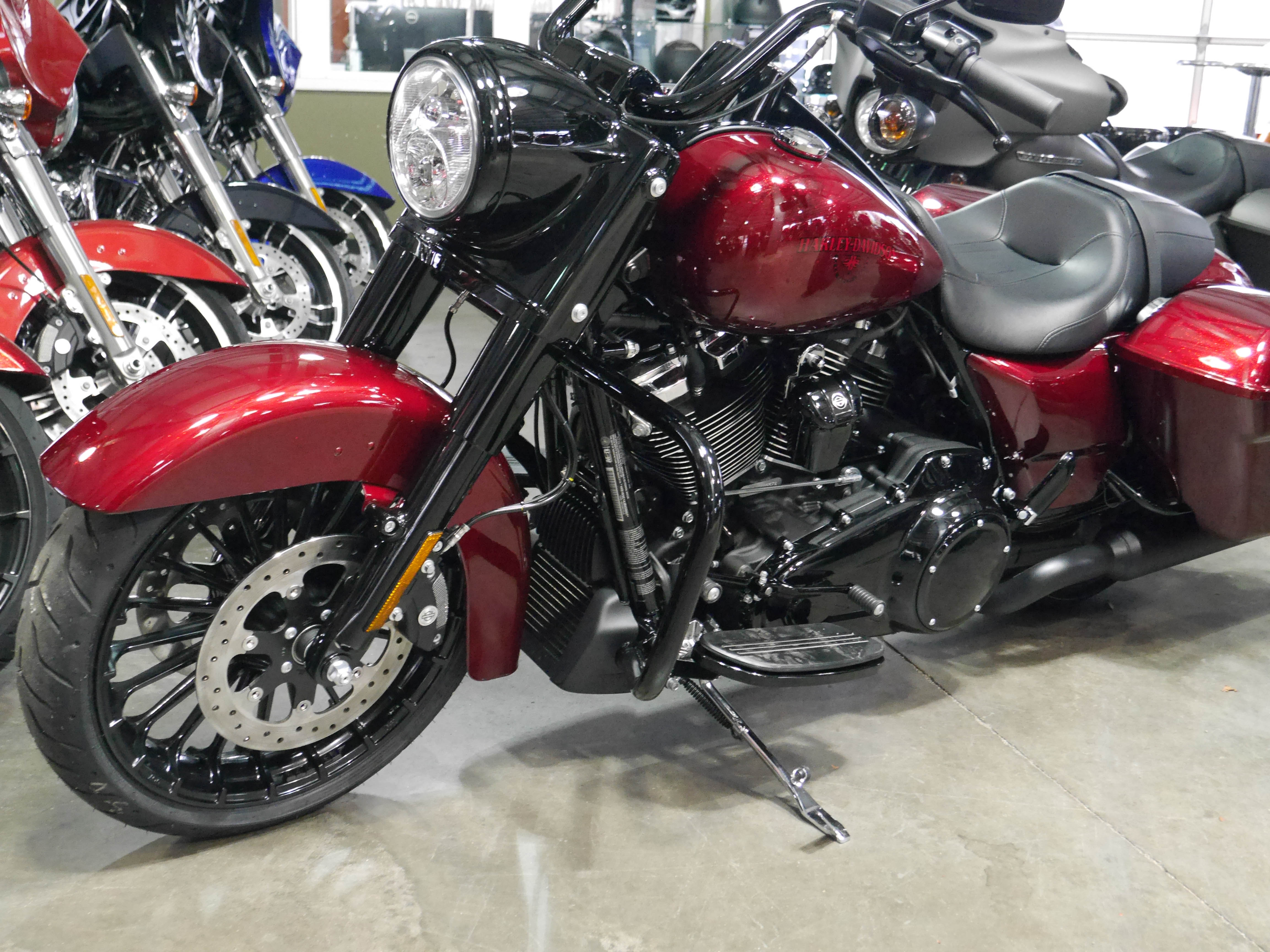 New 2018 Harley-Davidson Touring Road King Special